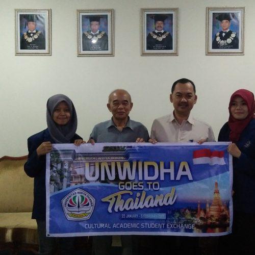 Mahasiswa Unwidha Mengikuti APTISI-HCU Ke Thailand