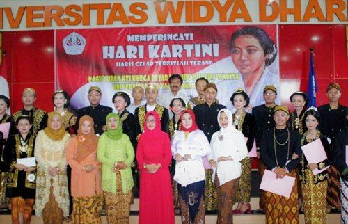 Peringatan Hari Kartini 2018 – Paguyuban Ibu-Ibu Universitas Widya Dharma Klaten