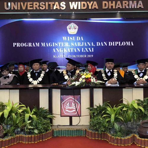 Wisuda Universitas Widya Dharma Klaten angkatan ke 71