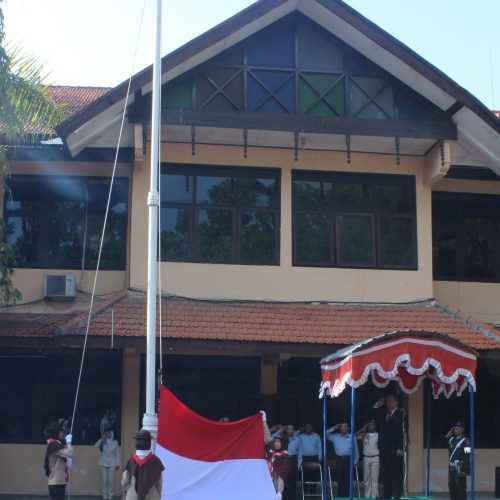 Upacara Peringatan Hari Pahlawan di UNWIDHA Klaten