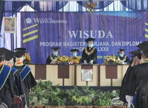 Wisuda Universitas Widya Dharma Klaten angkatan ke 72